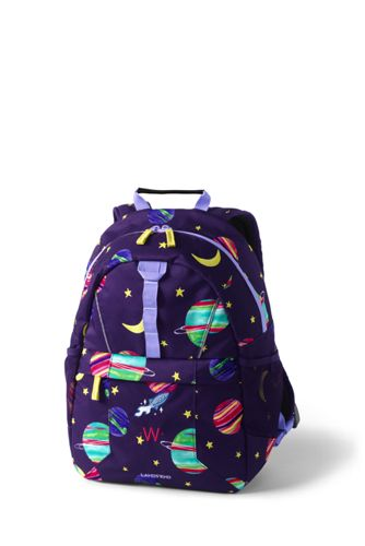 School bags: how to choose a backpack to school for a first-grader