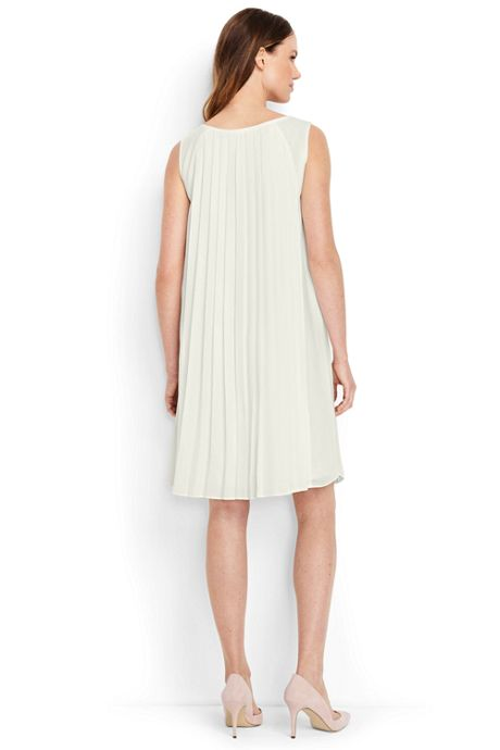 Women's Petite Sleeveless Pleat Dress