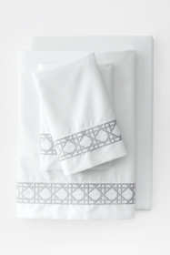 400 No Iron Embroidered Cane Weave Pillowcases