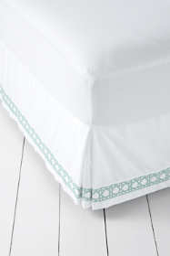 400 No Iron Embroidered Cane Weave Bedskirt