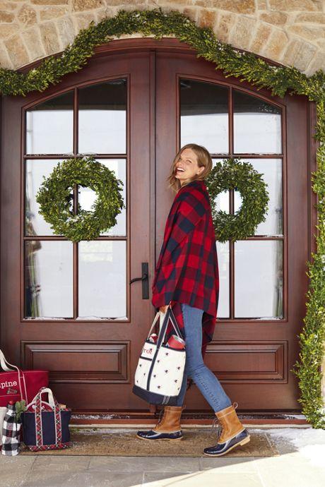 Fresh Boxwood Christmas Garland