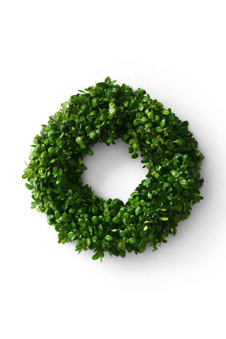 Fresh Boxwood Christmas Wreath