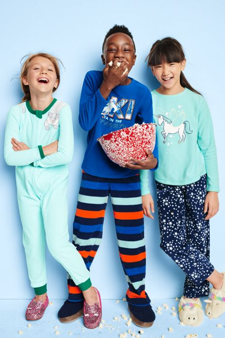 Girls Graphic Fleece Pajama Set