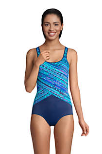 Women's DDD-Cup Chlorine Resistant Scoop Neck Soft Cup Tugless Sporty One Piece Swimsuit Print, Front