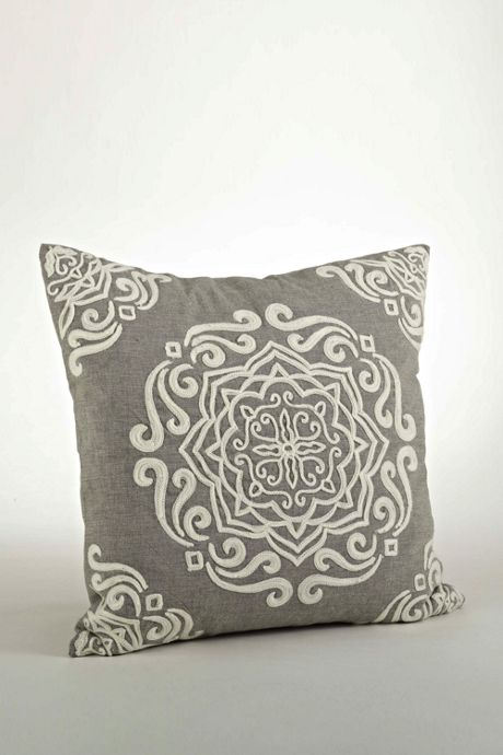 Saro Lifestyle Scroll Embroidered Decorative Throw Pillow