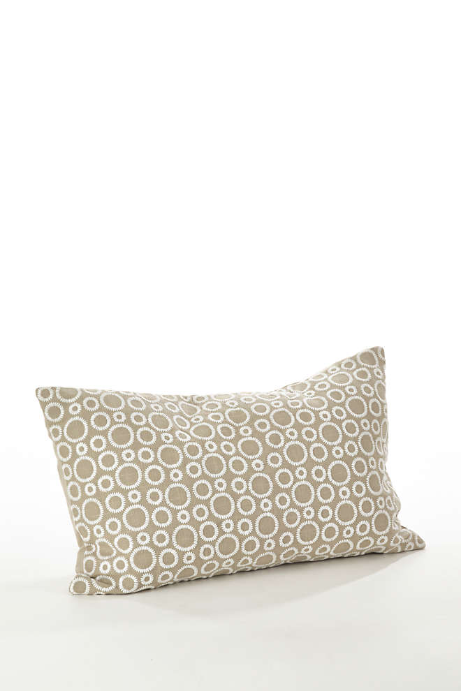 Saro Lifestyle Circle Embroidered Decorative Throw Pillow, Front