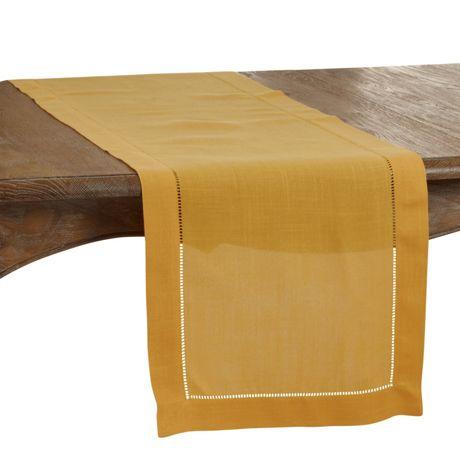 Saro Lifestyle 16x90 Classic Hemstitch Border Table Runner