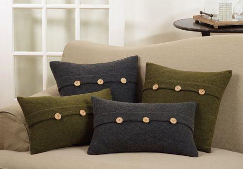 Saro Lifestyle Cardigan Button Decorative Throw Pillow
