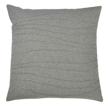 Saro Lifestyle Pintuck Stripe Pattern Decorative Throw Pillow
