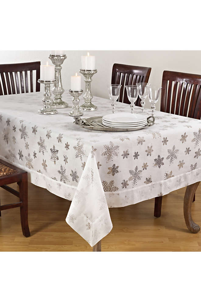 Saro Lifestyle Snowflake 50 x 70 Tablecloth, Front