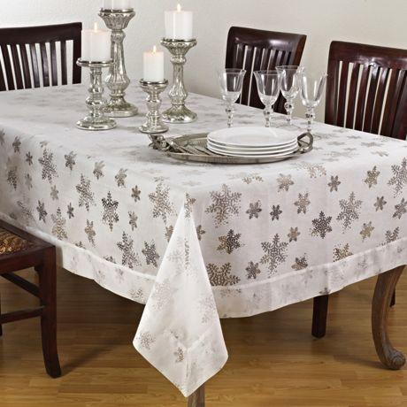 Saro Lifestyle Snowflake 70 x 140 Tablecloth